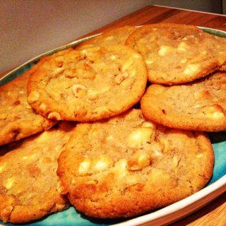 Witte chocolade en hazelnoot koekjes