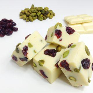Fudge | Witte chocolade, cranberry's & pistache