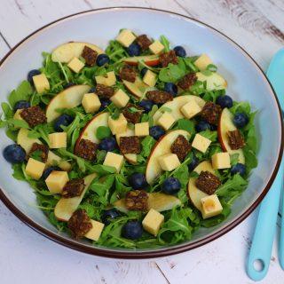 Salade – rucola | appel | blauwe bes | kaas | croutons
